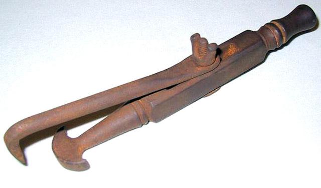 Основний інструмент для видалення зубів уСередньовіччі
