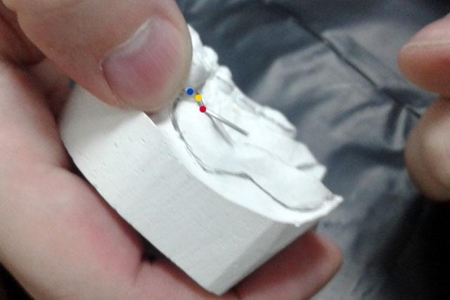 13 Виготовлений кламер на моделі під іншим ракурсом
